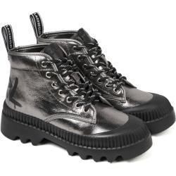 Dámské Kotníkové boty Karl Lagerfeld v šedé barvě v lakovaném stylu na šněrování