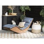 Zahradní lehátko z akátového dřeva s polštářem v zaprášené modré barvě BRESCIA
